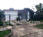 casa de 3 cuartos $160000 cuc  en calle 229a entre 210 y 216. fontanar, boyeros, la habana