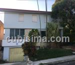 casa de 5 cuartos $350000 cuc  en nuevo vedado, plaza, la habana