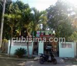 casa de 4 y medio cuartos $120000 cuc  en calle principal residencial almendares, boyeros, la habana