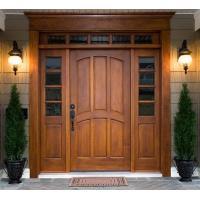 Se realizan trabajos de carpintería, en madera para casas (Puertas)