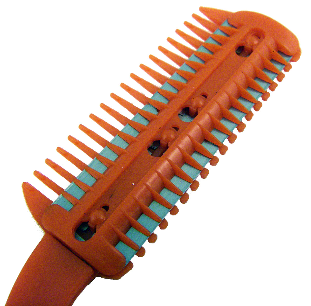 how to use a thinning comb