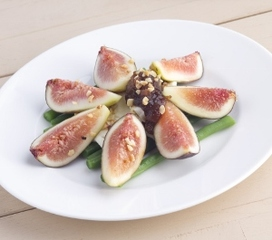 Web_listing_fig_and_mozzarella_salad_square_(300x265)