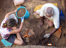 digging-excavating-earthwatch-nonprofit