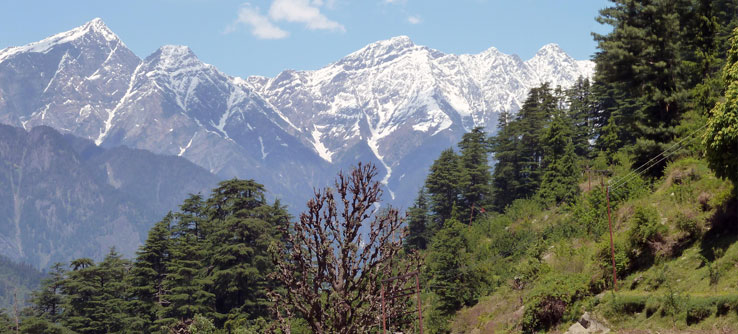 Mountains around the Kullu Valley, a major agricultural center.