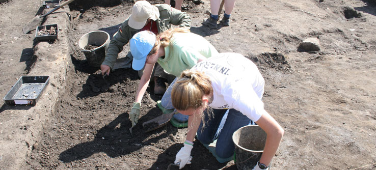 Teen Team volunteers diligently excavate at Fort Arbeia.