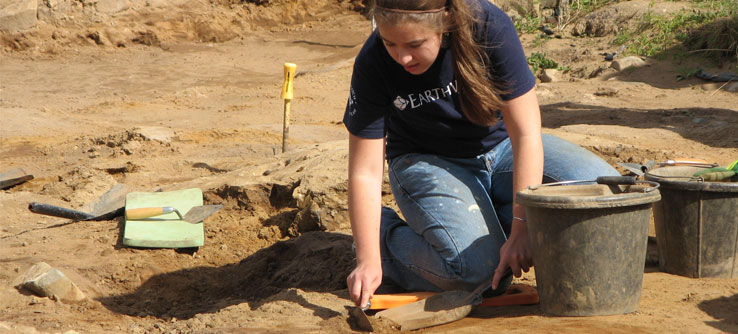 Excavations have uncovered coins, jewelry, and pottery.