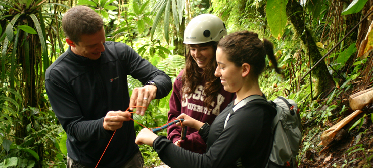 Earthwatch volunteers in Ecuadorian rainforest