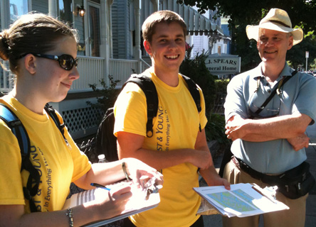 Volunteers on Earthwatch's Urban Forest Project, San Francisco