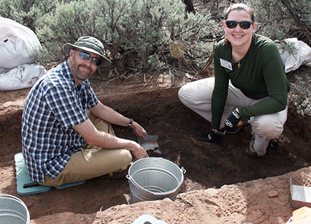 Volunteers on an archaeology dig, Crow Canyon, Colorado, USA