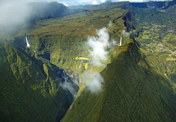The Island of La Réunion: LUX*