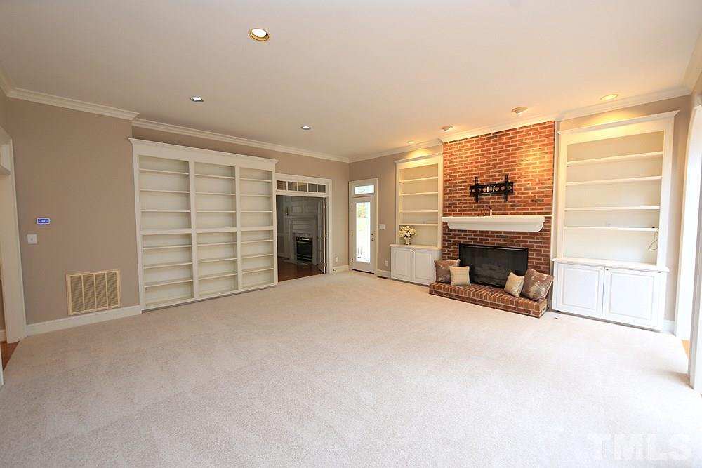 So much room! Butler pantry/storage as you go into the dining room.