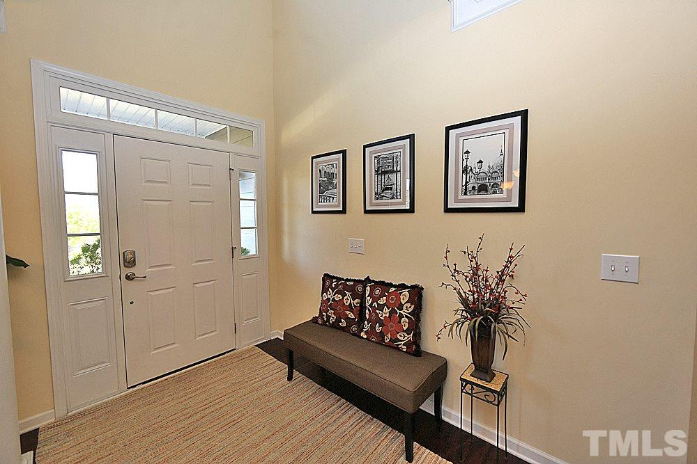 Soaring ceilings welcome you! Welcome home!