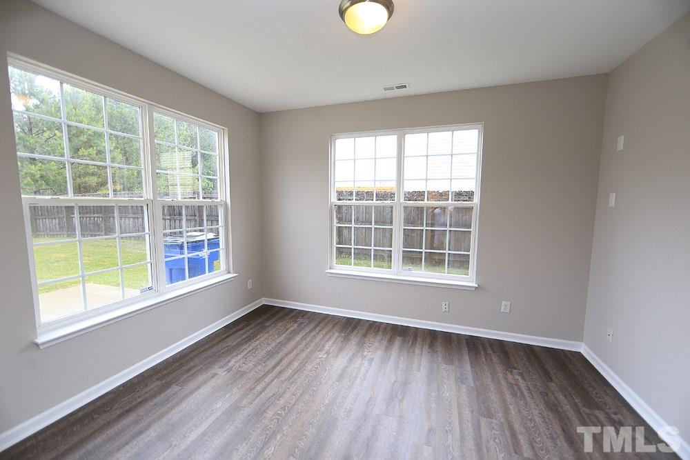 This could be a great office or play room.