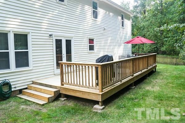 New Deck for you to relax in the private back yard!