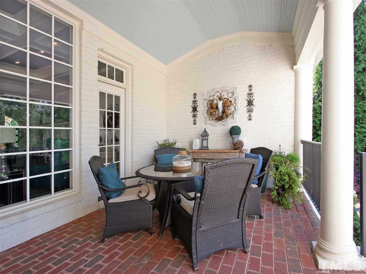 Dine al fresco, or just kick back and relax. The very private back porch promises hours of peace and tranquility.
