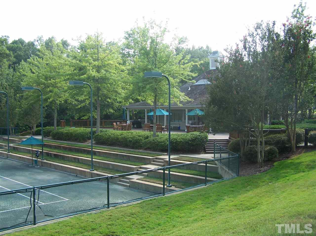 As part of club membership, you have access to the tennis facility as well as exercise and fitness rooms, dining facilities and fun social events for all ages.