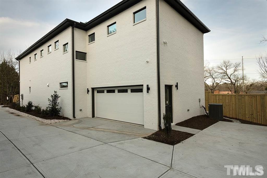 627 Linfield Drive