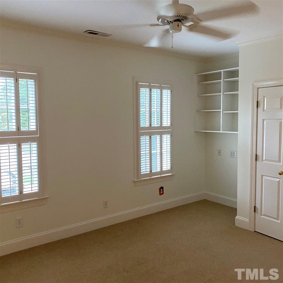 Full Bathroom as well..ideal for 2nd Rec Room, Home Office, Older Child 6th Bedroom..