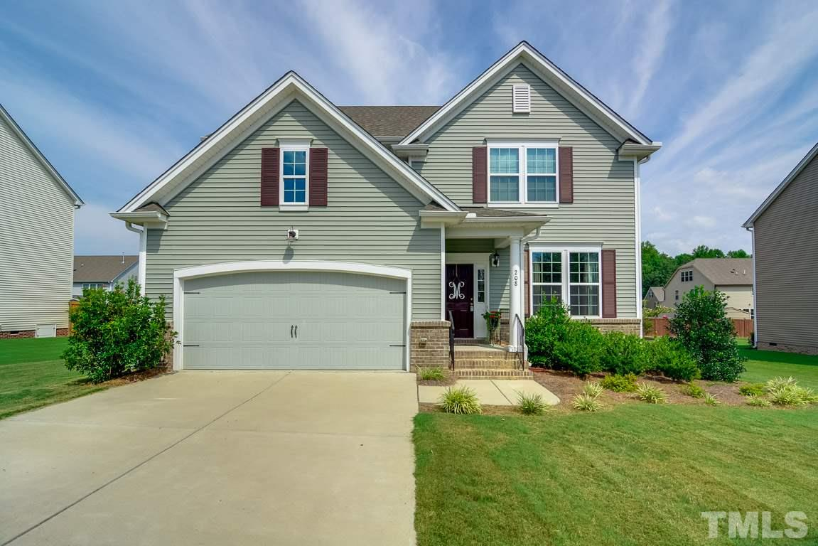 208 Airedale Drive, Holly Springs