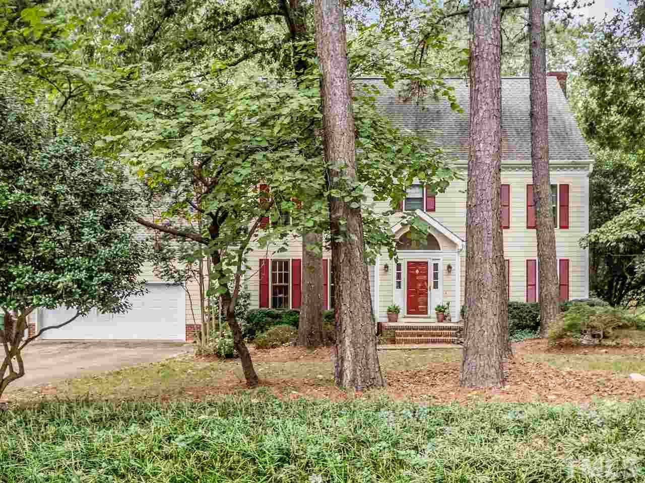 110 Meadowglades Lane
