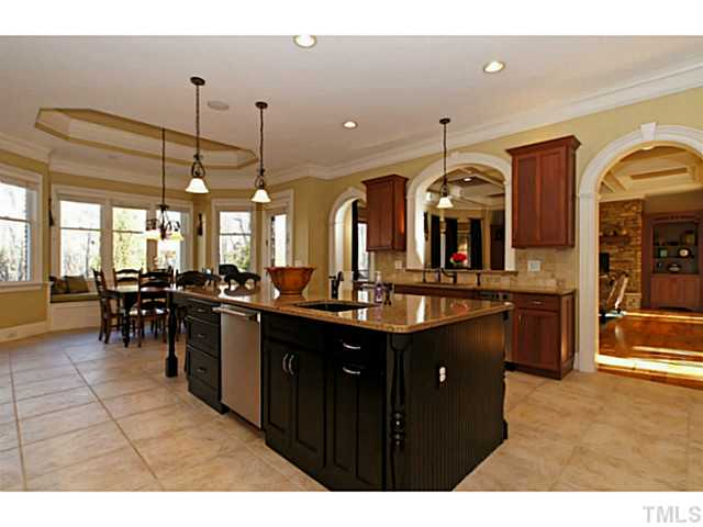 Perfect kitchen for entertaining guests!