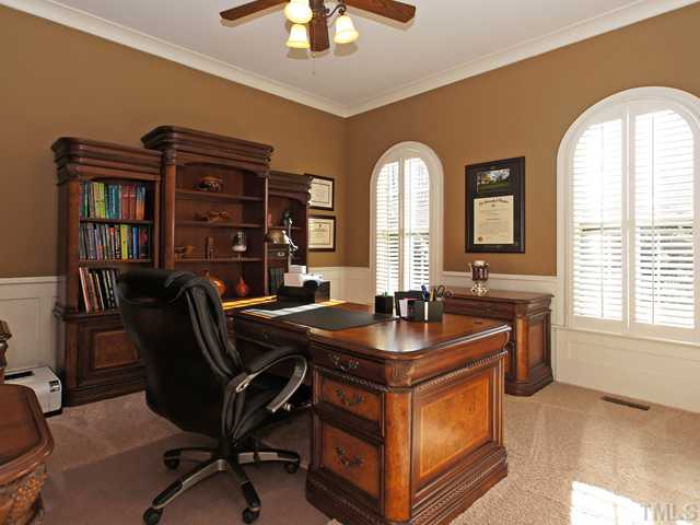 Office can be used as first floor guest suite for guests!