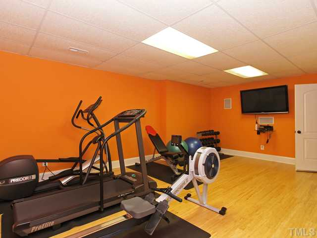 Full service gym w/new bamboo flooring!