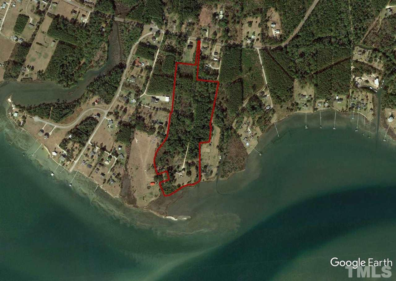 Property is located near the Atlantic Ocean and Cape Lookout Lighthouse.