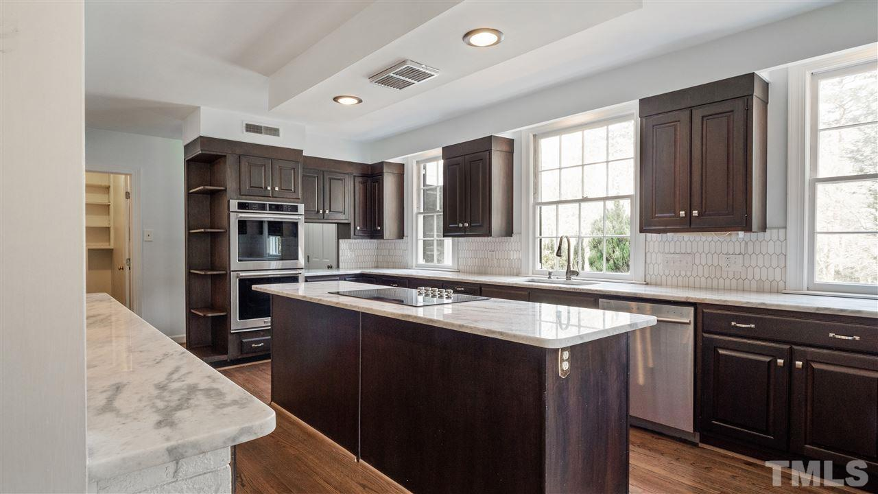 Spacious and functional! Kitchen cabinets re-surfaced and double ovens installed in 2014.