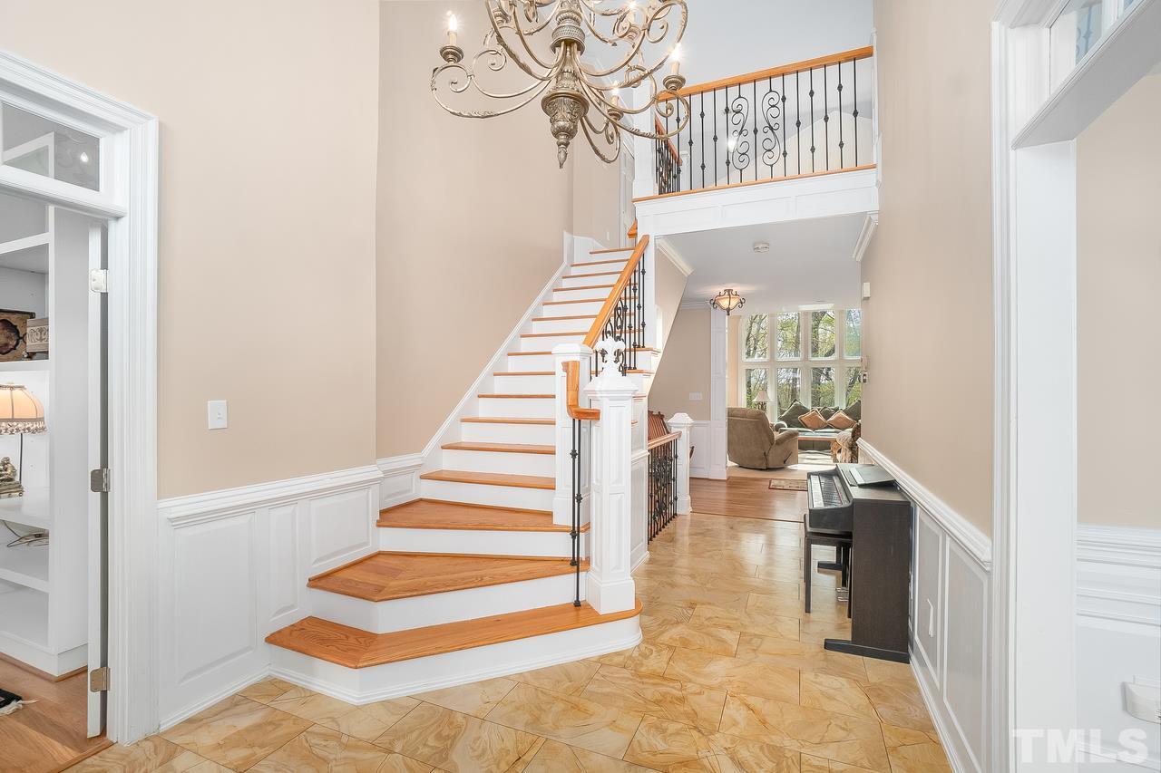 2 floor entry