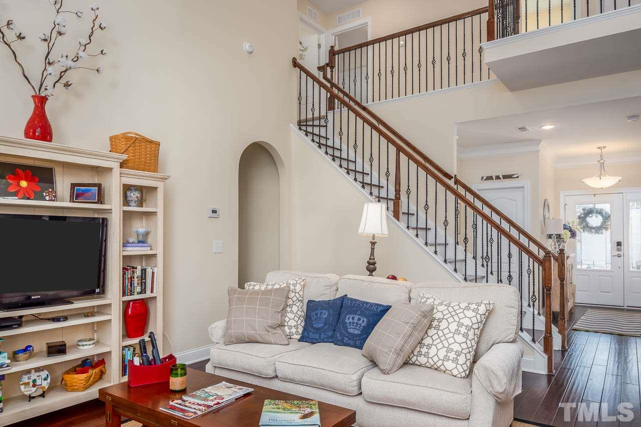 Soaring vaulted ceiling!
