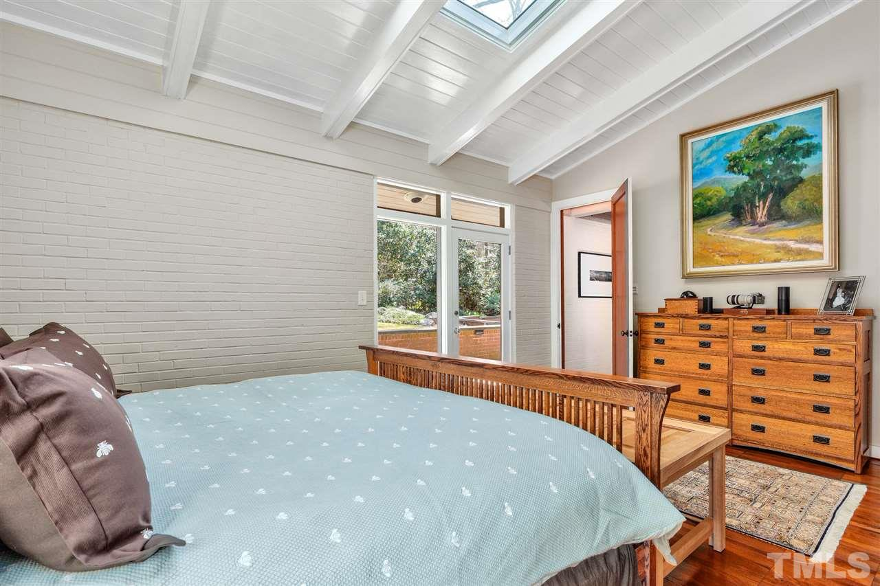 Skylights and large windows to the patio give this Master plenty of light so you can shine!