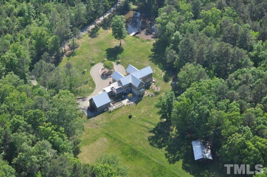 This birds eye view of the property illustrates its privacy. Army corps of Engineers land almost surrounds the property.