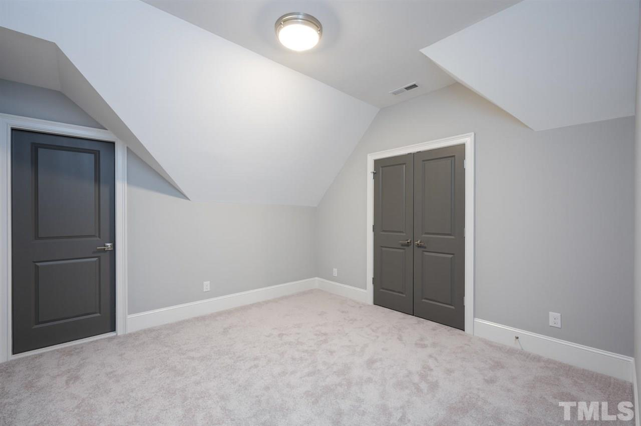 Great flex space for office, music room, craft room... you decide! features a closet and access to 2nd walk in storage area!