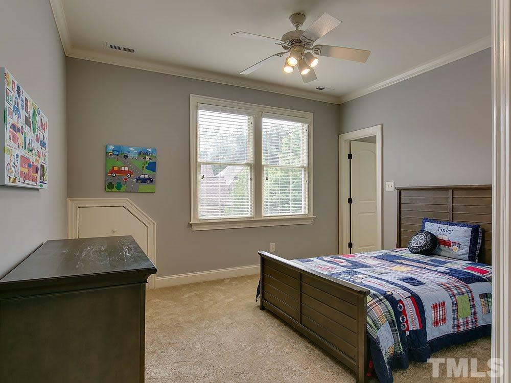 Nice size bedroom with walk in closet.