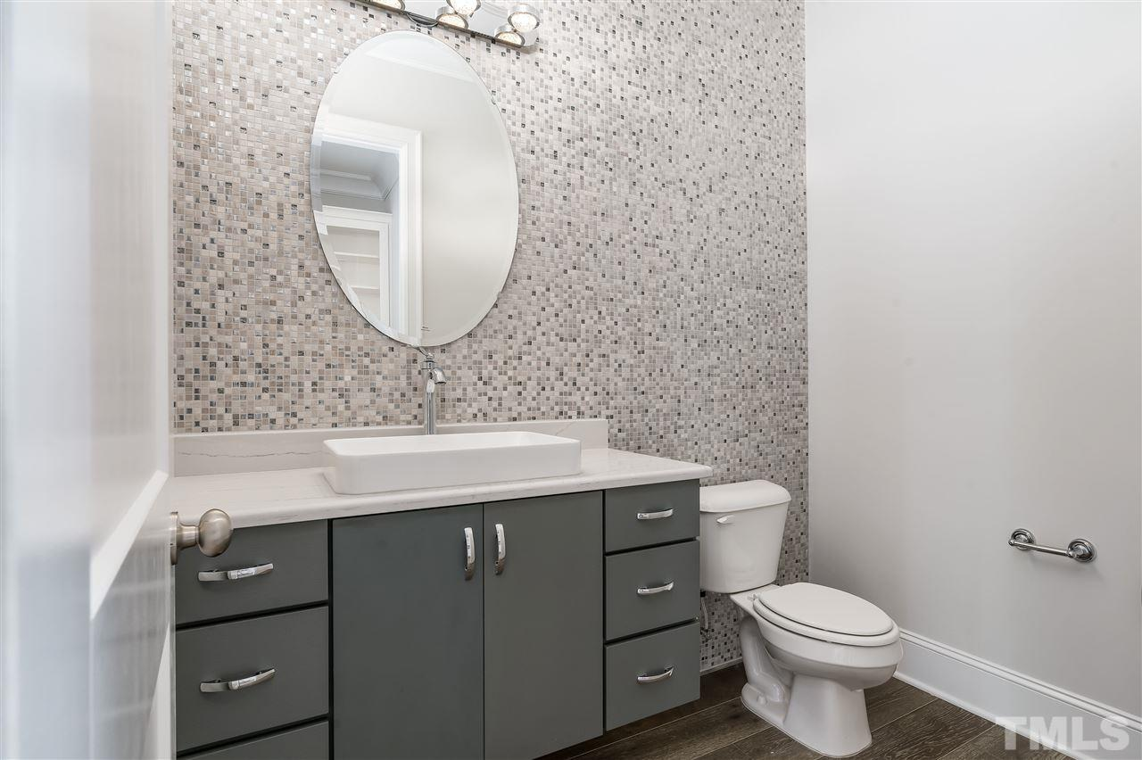 With elegant accent wall...just beautiful!