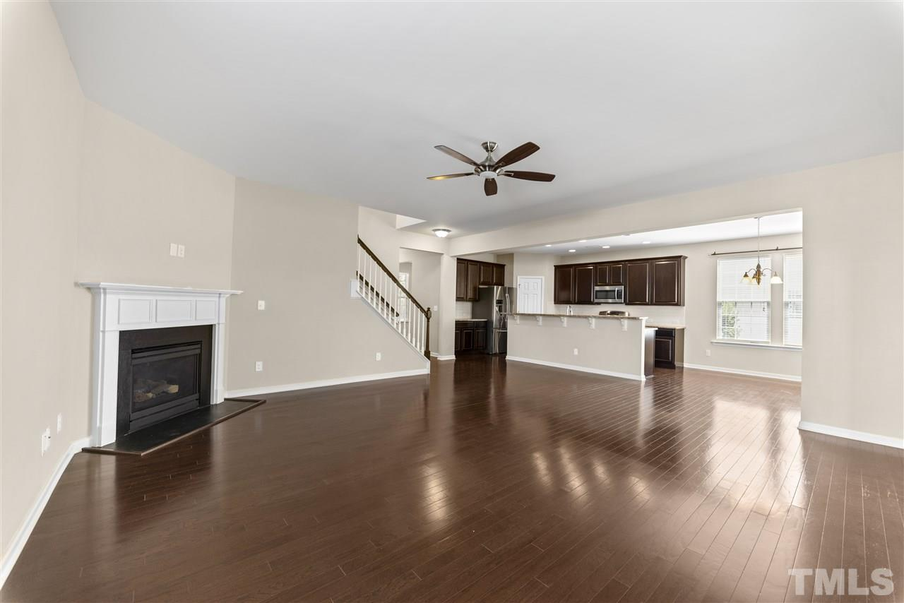 You can see how open the floor plan is-great for entertaining.