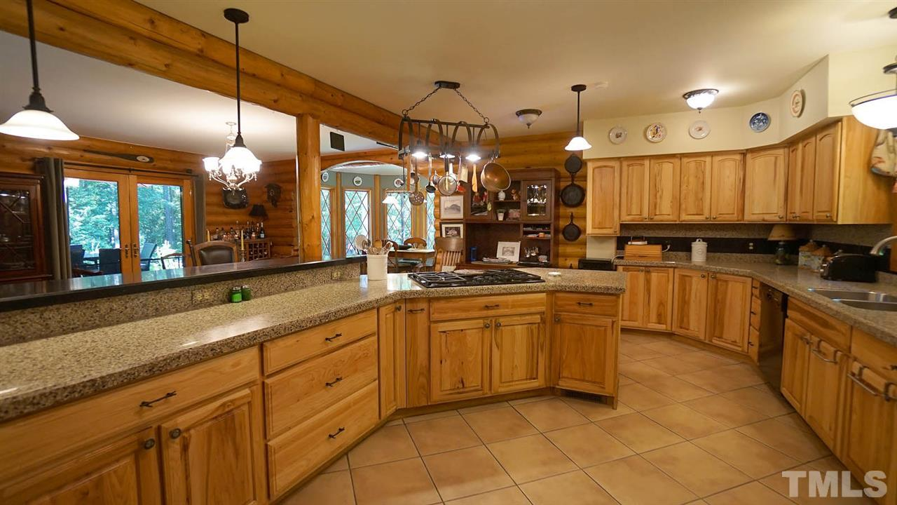 Tons of storage, room for large family and entertaining