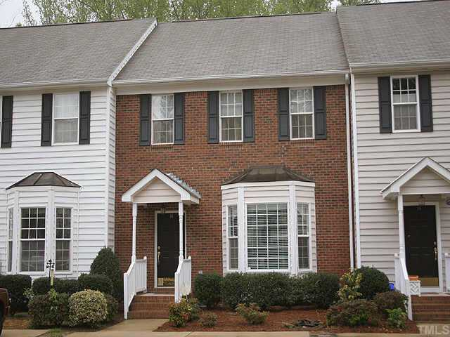 16 Duke of Gloucester Circle