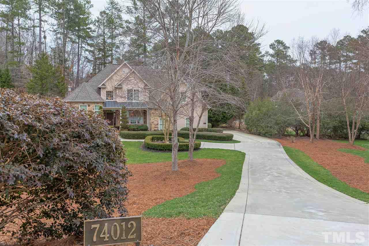You can enjoy this well maintained home located on a private cul-de-sac in a gated Jack Nicklaus golf and tennis community!