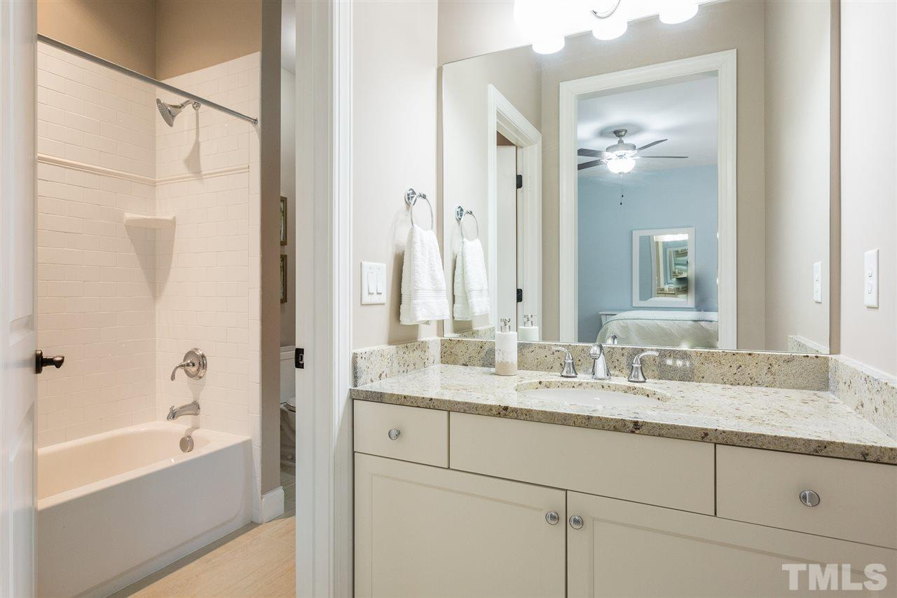 Large walk-in closet, ceiling fan and access to Jack and Jill-style bath