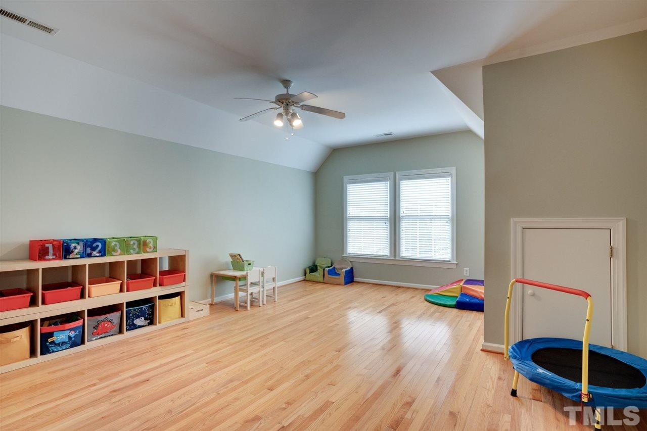 The bonus room with in suite full bath would make a super teen suite, or guest room, or play space. You get to decide!