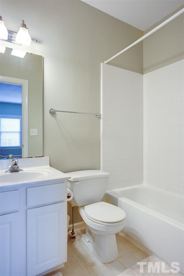 The in suite bonus room full bath is the 3rd full bath in the house. Really helpful on busy days or during the holidays. Come and stay for a while!