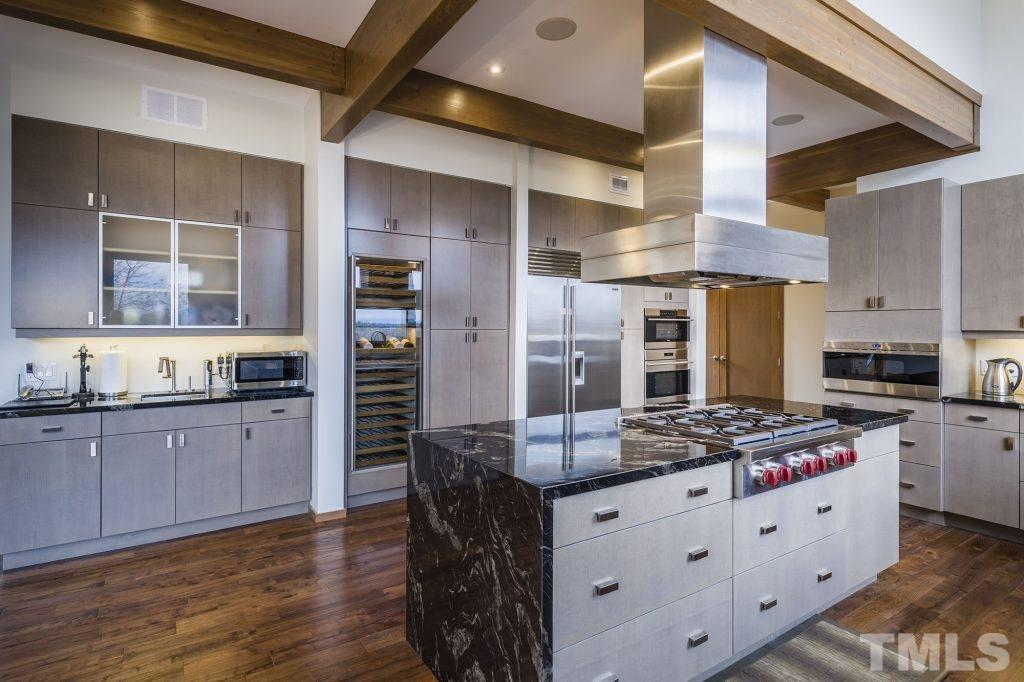 Design the kitchen to fit your cooking style. Cozy or Gourmet - your choice.