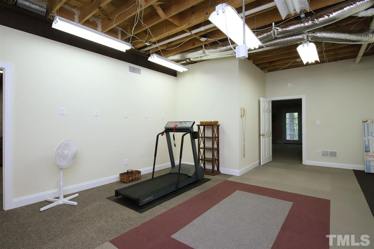Workout room, Workshop - whatever you need it to be!