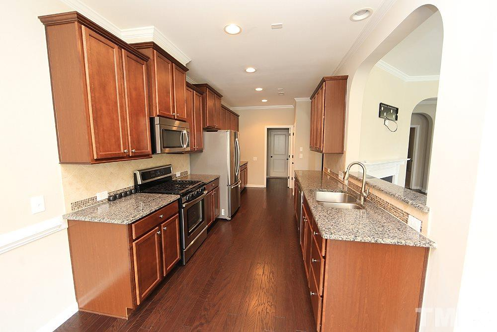 Granite counter, Stainless Appliances, abundance of Cupboards