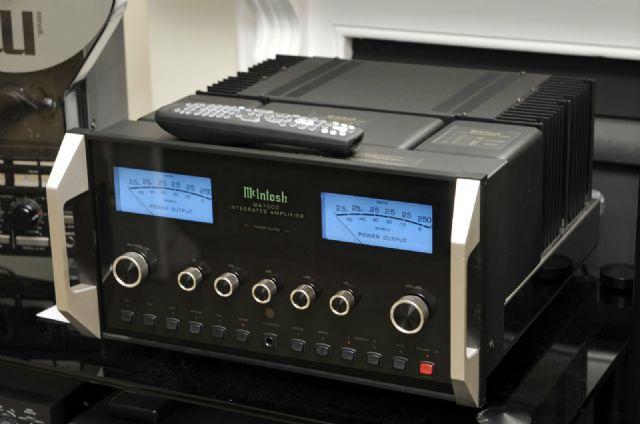 McIntosh MA7000 amplifier