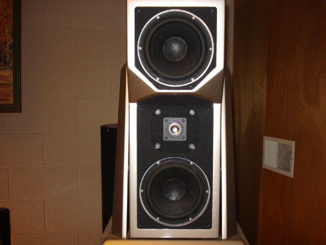 Wilson Audio Maxx 2 Speakers Set CHICAGO ILLINOIS