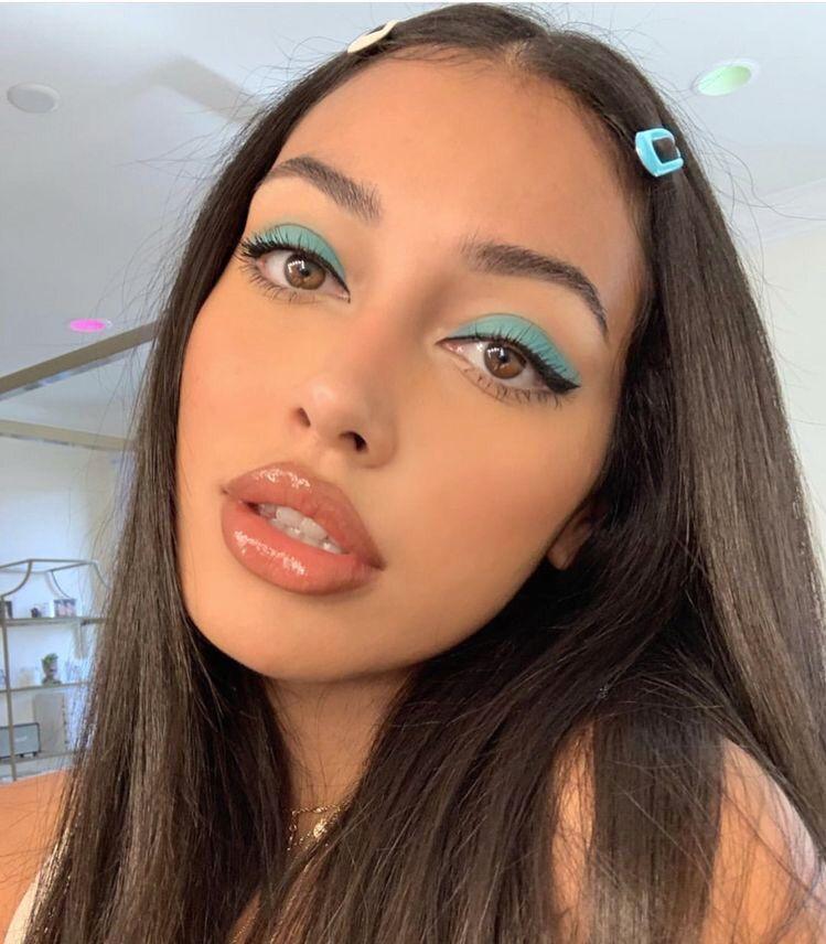 glossy-makeup-lips