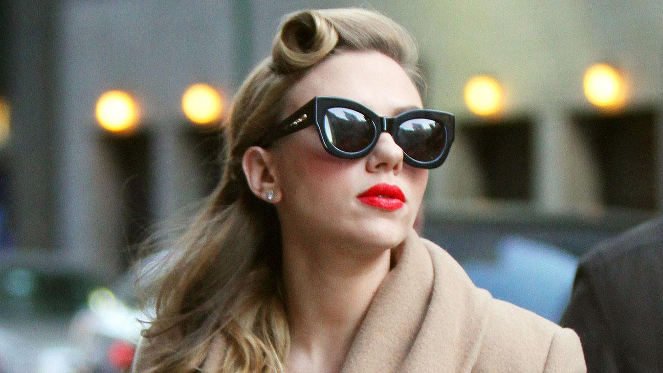 Kate Moss é adepta do óculos estilo gatinho 4b974080d2